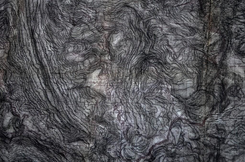 Les phares (relief) du Mont-Cenis, mai 2016, techniques mixtes sur carte topographique, 140 x 110 cm